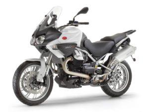 Noleggia una Moto Guzzi Stelvio 1200